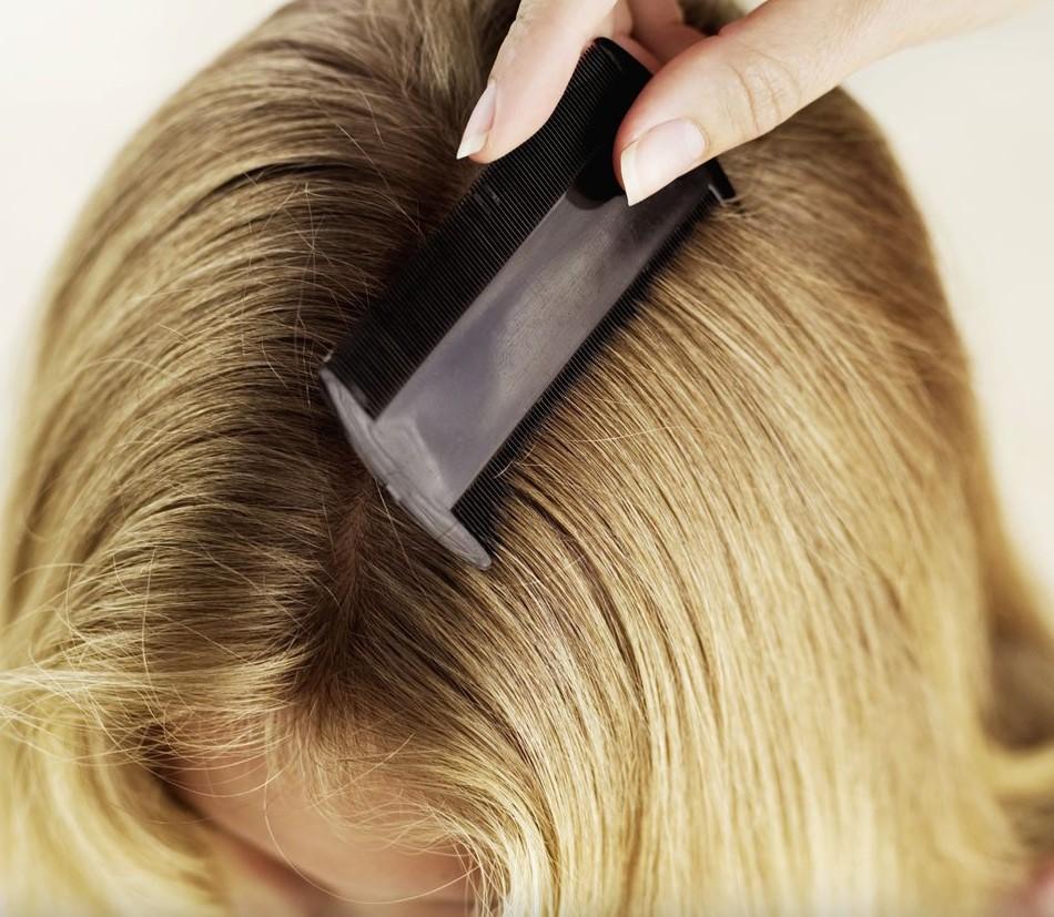 Nutritivo la máscara para los cabellos con la mostaza